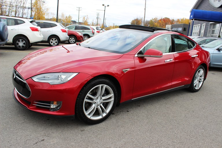 2013 Tesla Model S *NEW WINTER TIRES* - Laval - 58 210 km